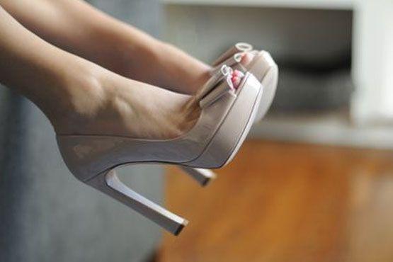 Peep toe meia pata nude