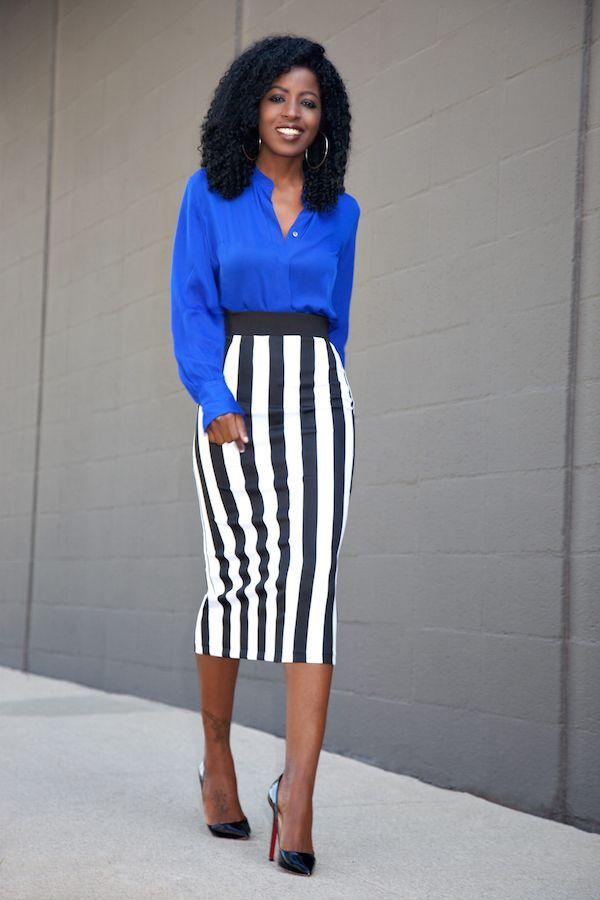"Foto: Reprodução / <a href=""http://stylepantry.com/2015/10/08/silk-long-sleeve-blouse-striped-midi-skirt/"" target=""_blank"">Style Pantry</a>"