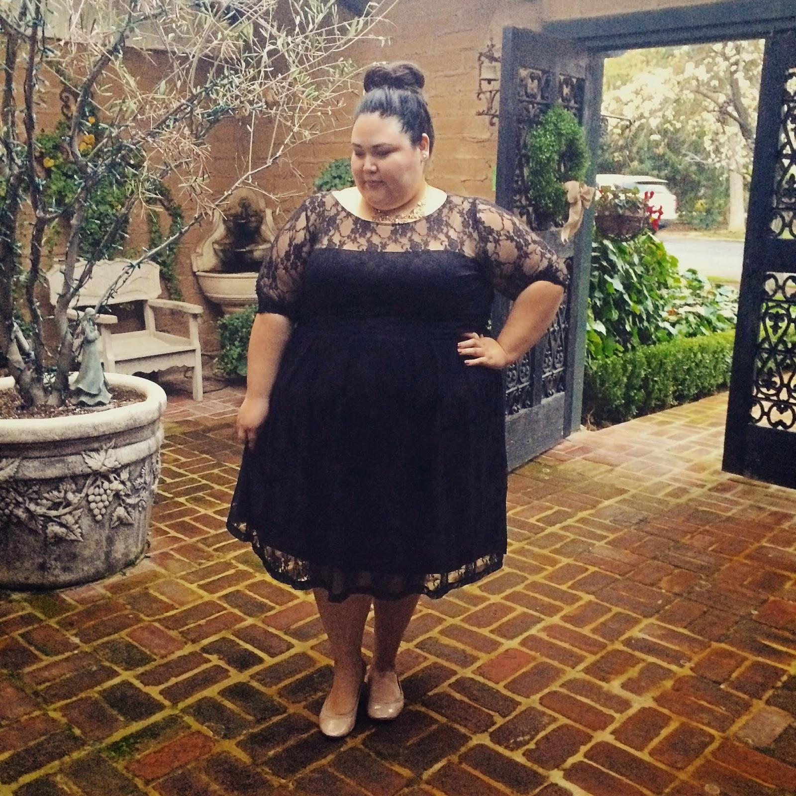"Foto: Reprodução / <a href=""http://www.fashionloveandmartinis.com/2015/02/kiyonnas-luna-lace-dress-review.html"" target=""_blank"">Fashion Love and Martinis</a>"