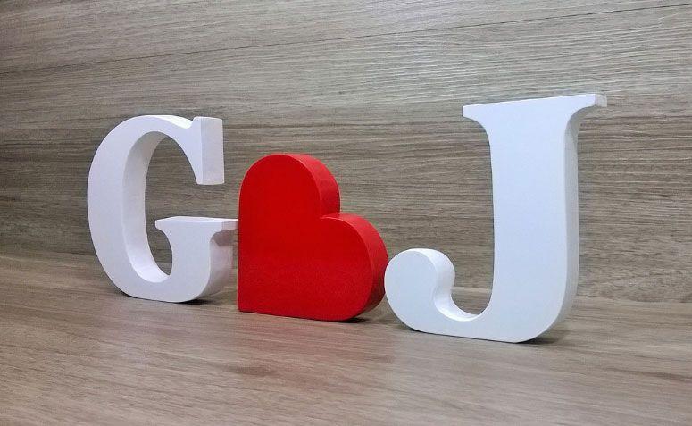 """Kit Iniciais + coração em mdf por R$ 42,00 no <a href=""""http://www.elo7.com.br/kit-iniciais-coracao-em-mdf/dp/4551ED#df=d&uso=d&pso=up&osbt=b-o&nqs=1&sv=0"""" target=""""_blank"""">Elo7</a>"""