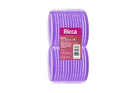 Bobes auto-aderentes Ricca (preço médio R$10 por 6 unidades em lojas de cosméticos e farmácias)
