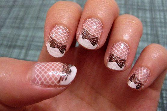 Mais uma ideia de como decorar as unhas da noiva