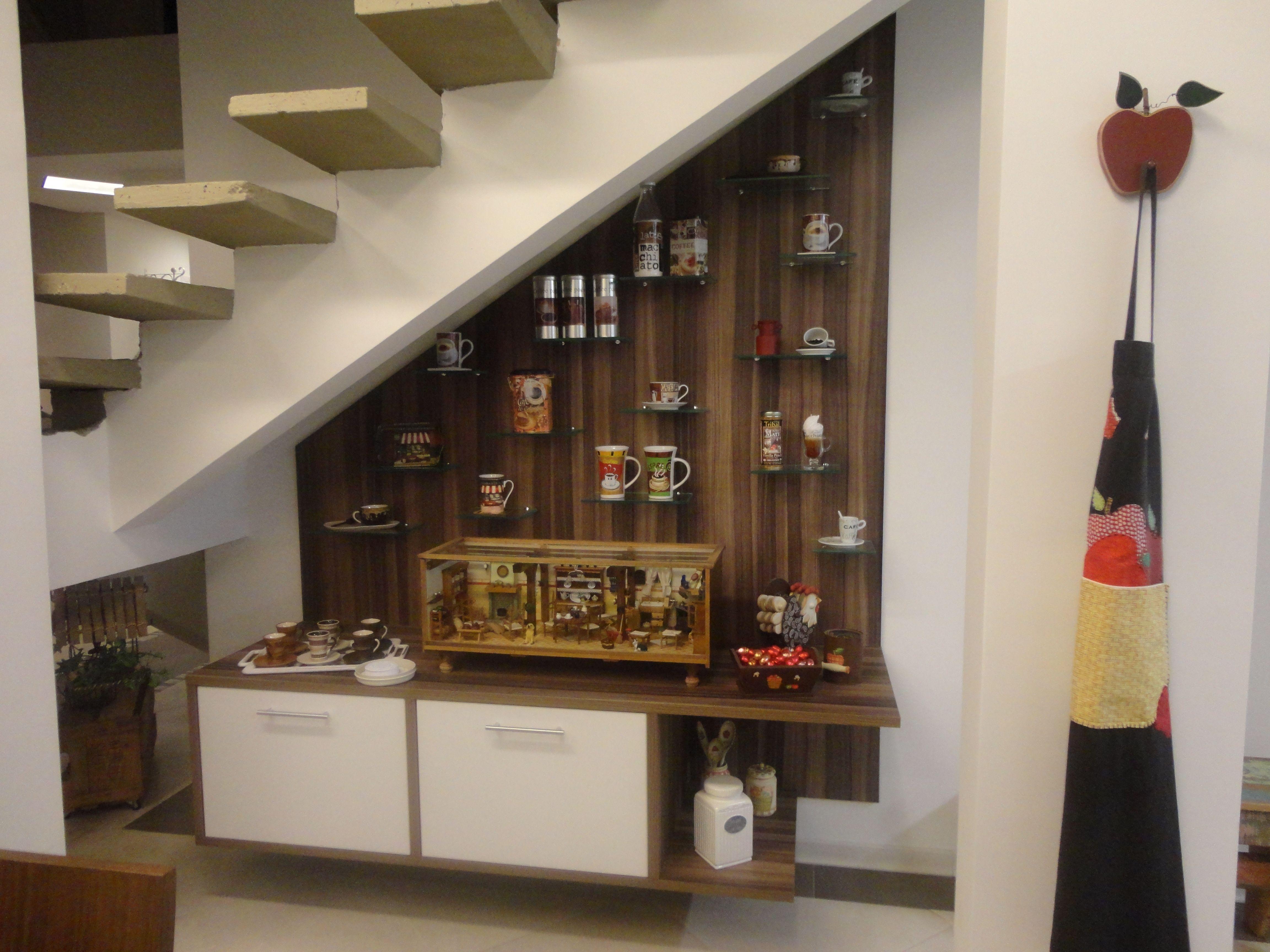 escada:14 ideias criativas para aproveitar o espaço embaixo da escada #A73524 4608 3456
