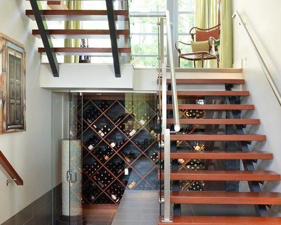14 ideias criativas para usar o espa o embaixo da escada - Cantinetta vini ikea ...