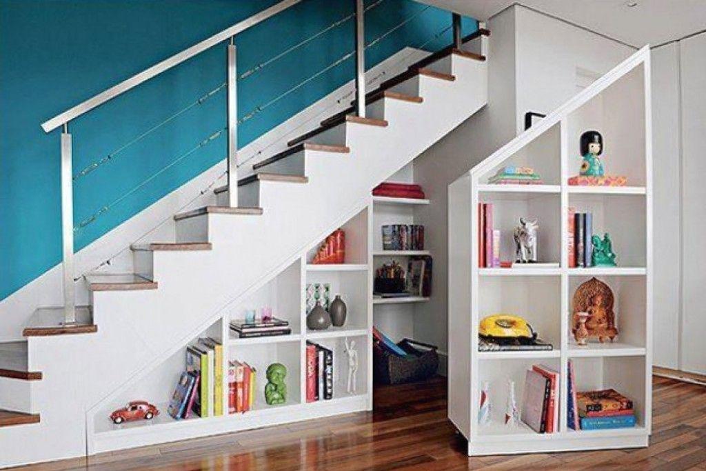 """Foto: Reprodução / <a href=""""http://potr.dssoundlabs.com/under-stairs-closet-storage-ideas/"""" target=""""_blank"""">Stair Design Ideas</a>"""