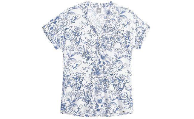 """Camisa azulejo português Hering por R$69,99 na <a href=""""http://www.heringwebstore.com.br/categoria-1/camisas/camisa-meia-manga-feminina-em-meia-malha-estampada-com-abotoamento-frontal-03q6"""" target=""""_blank"""">Hering Web Store</a>"""