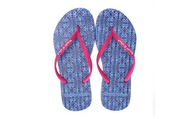 "Chinelo Planet Girls 398845 - Azul por R$39,99 na <a href=""http://www.passarela.com.br/feminino/produto/6070052402/Chinelo-Planet-Girls-398845----Azul/"" target=""_blank"">Passarela</a>"