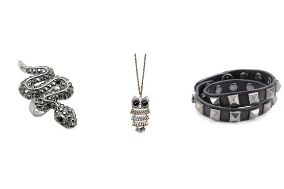 As bijuterias com temas de animais, retrô e estilo rocker dão um toque especial ao visual para shows.