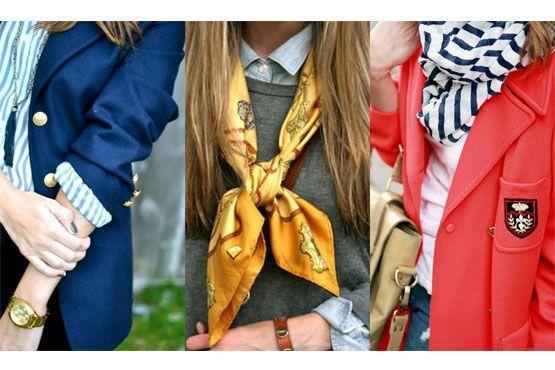 Brasões, suéteres sobrepostos à camisas, listras e blazers são elementos preppy.