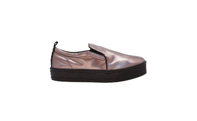 R tarafından Fiever On Ayakkabı Kayma OQVestir içinde $ 268