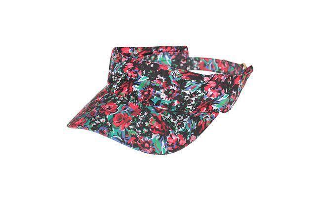 "Viseira Salinas por R$89 na <a href=""http://www.fashiondelivery.com.br/viseira-salinas-suzy-diversas-185299/p"" target=""blank_"">Fashion Delivery</a>"