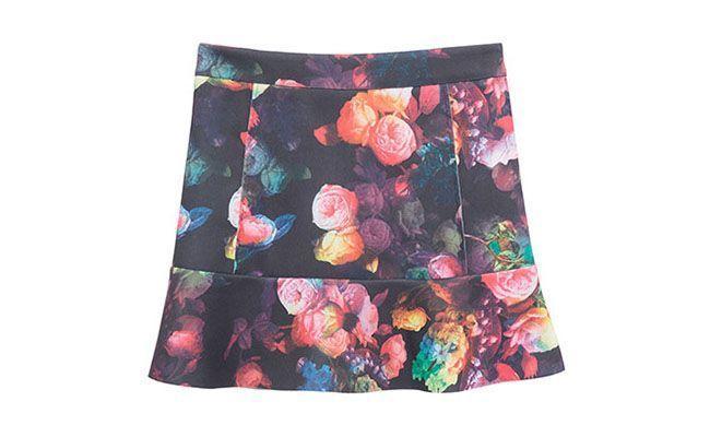 "Saia Market 33 por R$225 na <a href=""http://www.oqvestir.com.br/saia-neoprene-floral-preta-37583.aspx/p"" target=""blank_"">OQVestir</a>"