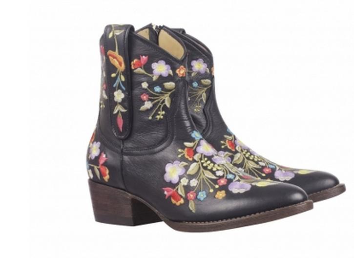 Boot par R 1018,90 $ en cavage