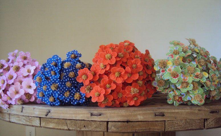 """Flores de Pêssego em tecido por R$ 0,45 na <a href="""" http://www.elo7.com.br/flor-de-tecido-flor-de-pessego/dp/47C89A#df=d&uso=o"""" target=""""_blank"""">Elo7</a>"""