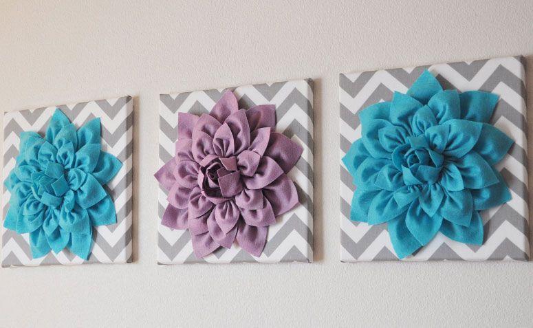 """Quadro 3d com flores por R$275,07 no <a https://www.etsy.com/pt/listing/115275778/choose-three-colors-dahlia-wall-flowers?ref=market"""" target=""""_blank"""">Etsy</a>"""