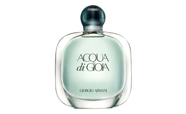 "Acqua di Gioia Giorgio Armani por R$219 na <a href=""http://www.sephora.com.br/giorgio-armani/perfumes/feminino/acqua-di-gioia-feminino-eau-de-parfum-10226"" target=""blank_"">Sephora</a>"