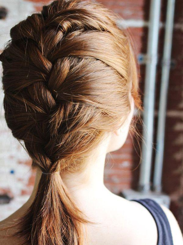 "Reprodução/<a href=""http://www.abeautifulmess.com/2012/04/how-to-style-a-classic-french-braid.htm"" target=""_blank"">A Beautiful Mess</a>"