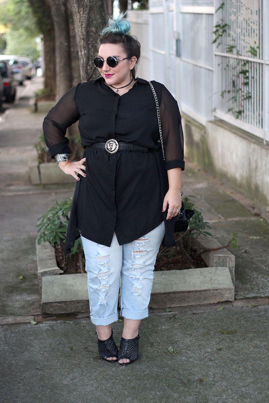 """Foto: Reprodução / <a href=""""http://juromano.com/looks/chemise-plus-size-e-calca-jeans-com-pegada-boyfriend-ouse-nas-combinacoes"""" target=""""_blank"""">Ju Romano</a>"""