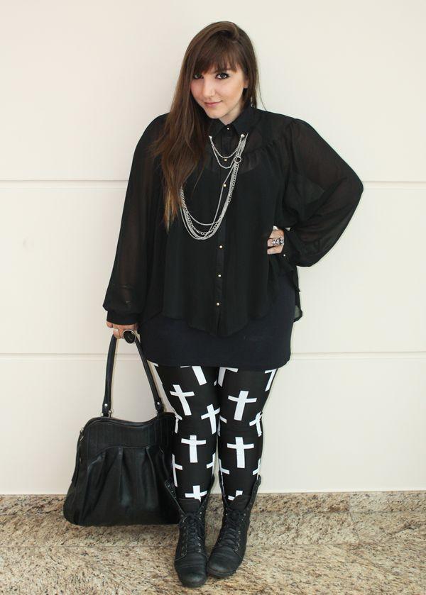 """Foto: Reprodução / <a href=""""http://juromano.com/looks/como-usar-calcas-legging-de-um-jeito-legal"""" target=""""_blank"""">Ju Romano</a>"""