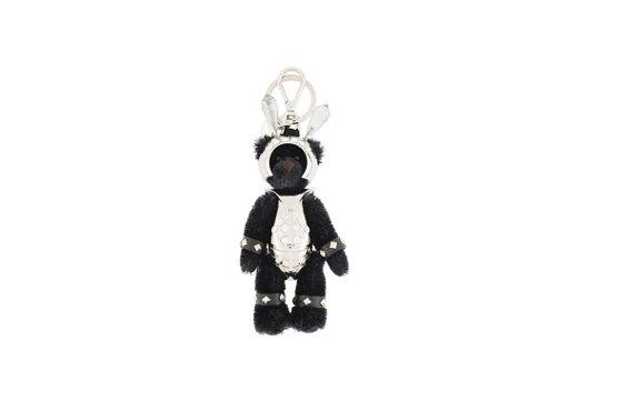 Chaveiro de ursinho da Prada – R$510. Foto: Reprodução.