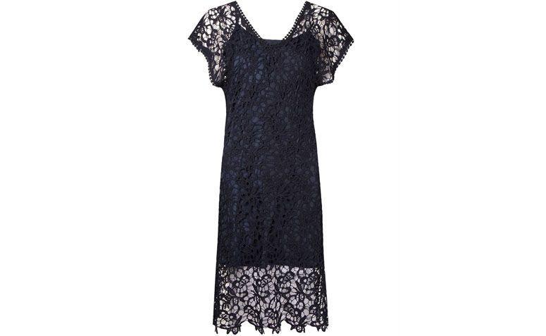 "Vestido Le Lis Blanc por R$399,75 na <a href=""http://ad.zanox.com/ppc/?29469493C40749417&ULP=[[http://www.farfetch.com/br/shopping/women/le-lis-blanc-vestido-de-renda-guipir-item-11065457.aspx?storeid=9688&ffref=lp_pic_3_1_lst?utm_source=zanox&utm_medium=link&utm_campaign=deeplink_generator]]"" rel=""nofollow"" target=""blank_"">Farfetch</a>"