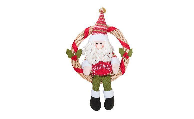 """Guirlanda por R$49,90 no <a href=""""http://www.shoptime.com.br/produto/124069667/guirlanda-de-rattan-com-boneco-do-papai-noel-28cm-orb-christmas"""" target=""""_blank"""">Shoptime</a></p>"""