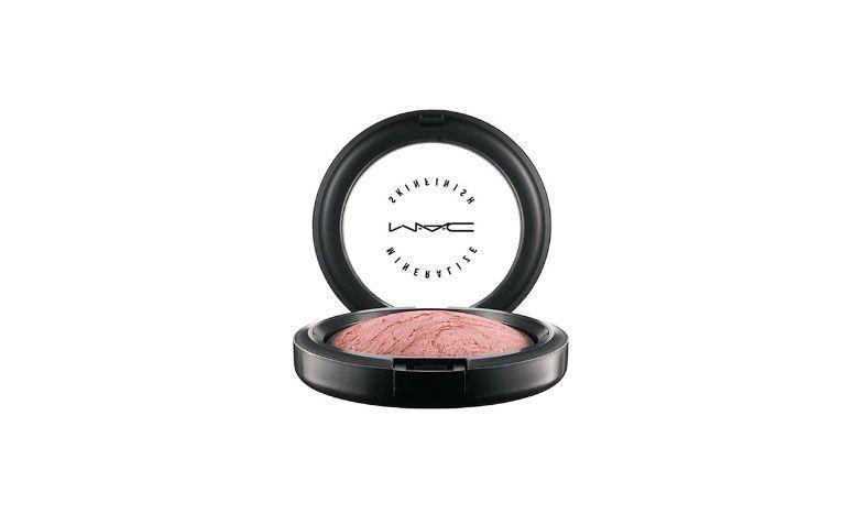 Mineralize Powder Compact Skinfinish MAC för $ 129,00 på Sephora