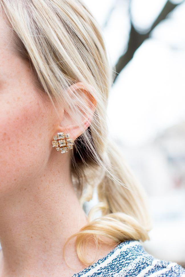 "Foto: Reprodução / <a href=""http://kellyinthecity.com/lightweight-statement-earrings/"" target=""_blank"">Kelly In The Citty</a>"