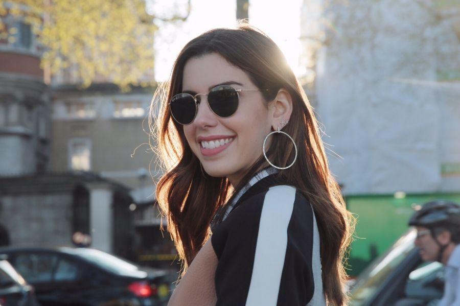 """Foto: Reprodução / <a href=""""http://www.garotasestupidas.com/look-do-dia-friozinho-leve-em-londres/"""" target=""""_blank"""">Camila Coutinho</a>"""