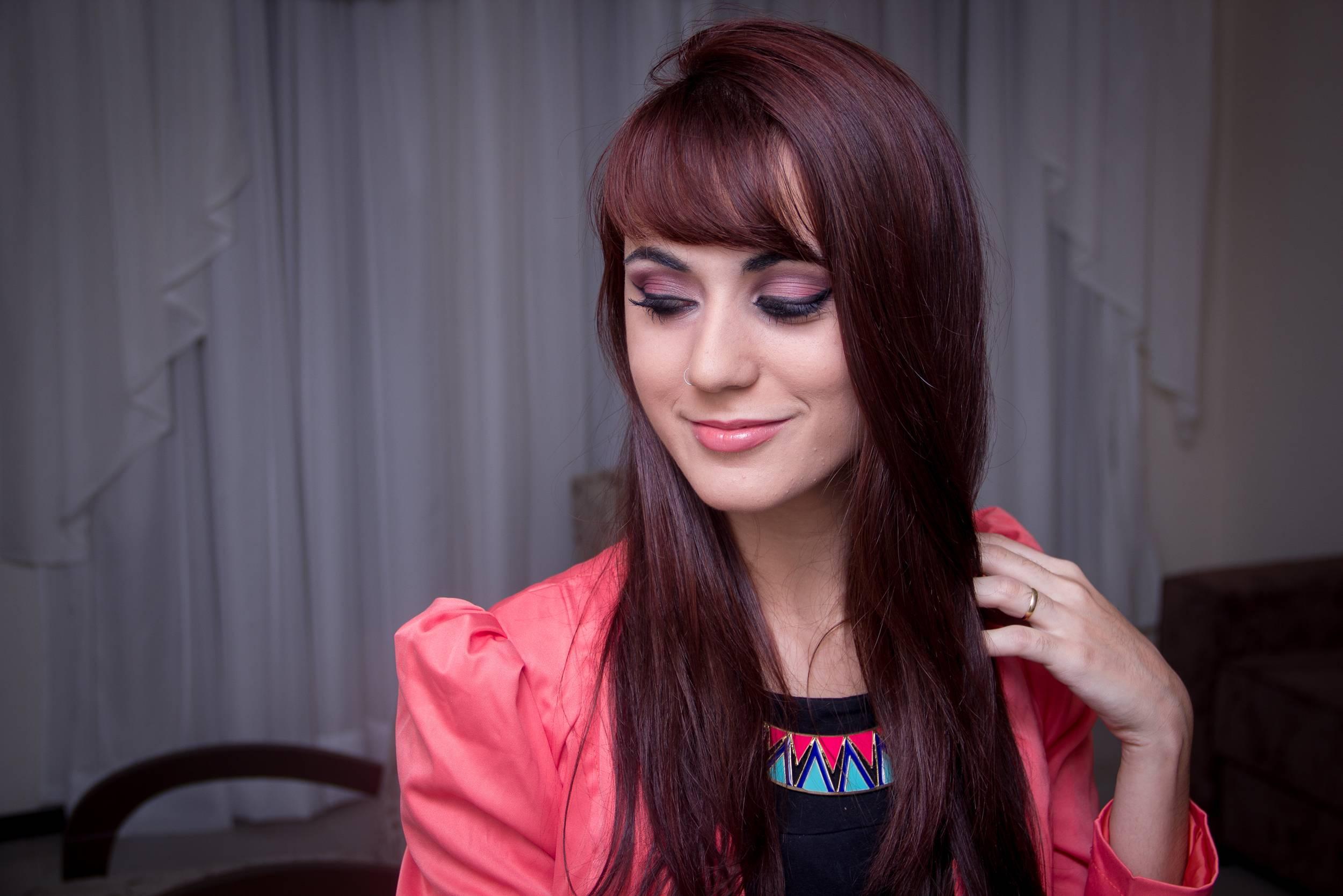 """Foto: Reprodução / <a href=""""http://janamakeup.com.br/tutorial-make-para-ruivas/"""" target=""""_blank"""">Jana Make Up</a>"""