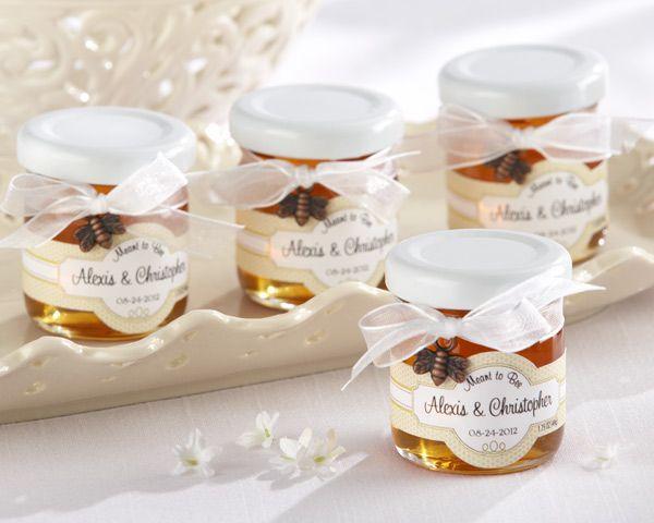 """Pote de mel personalizado Foto: Reprodução / <a href=""""http://www.myweddingfavors.com/Personalized-Clover-Honey.html"""" target=""""_blank"""">My Wedding Favors</a>"""