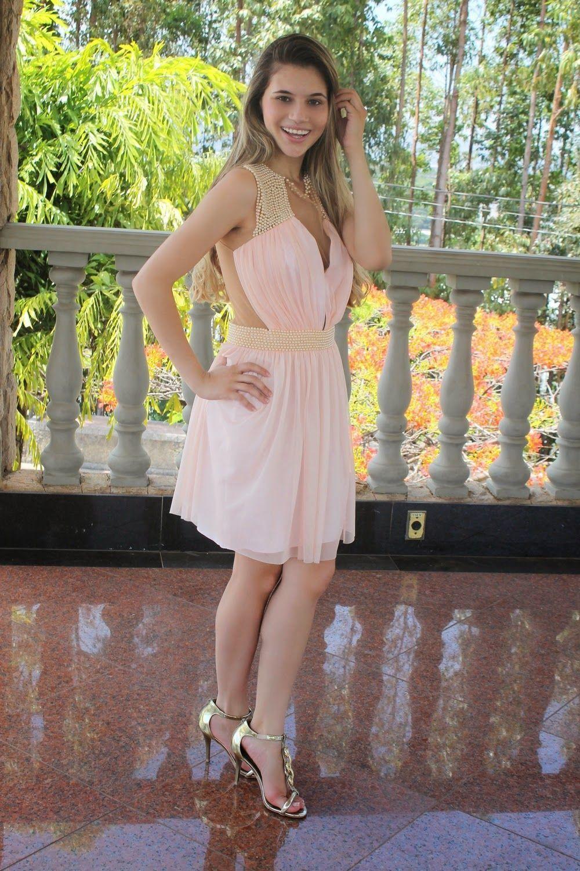"""Foto: Reprodução / <a href=""""http://www.blogdabarbarela.com.br/2013/10/look-do-dia-vestido-princesa.html"""" target=""""_blank"""">Blog da Barbarela</a>"""
