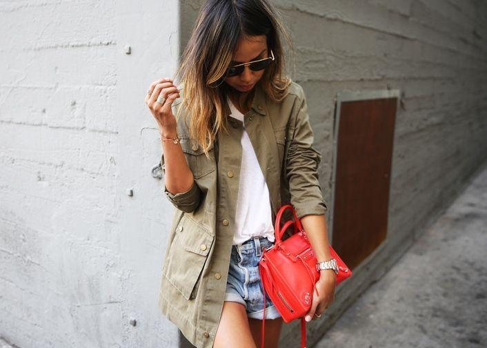 "Foto: Reprodução / <a href=""http://sincerelyjules.com/2015/04/sincerely-jules-military-jacket.html"" target=""_blank"">Sincerely Jules</a>"