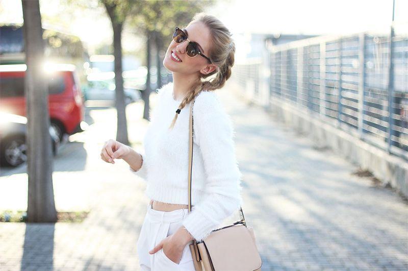 "Foto: Reprodução / <a href=""http://www.deardiary-fashion.com/white-on-white/"" target=""_blank"">Dear Diary Fashion</a>"