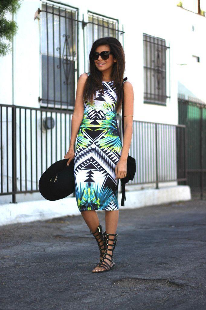 "Foto: Reprodução / <a href=""http://sazan.me/blog/2014/05/23/one-dress-two-ways-to-wear-it/"" target=""_blank"">Sazan</a>"