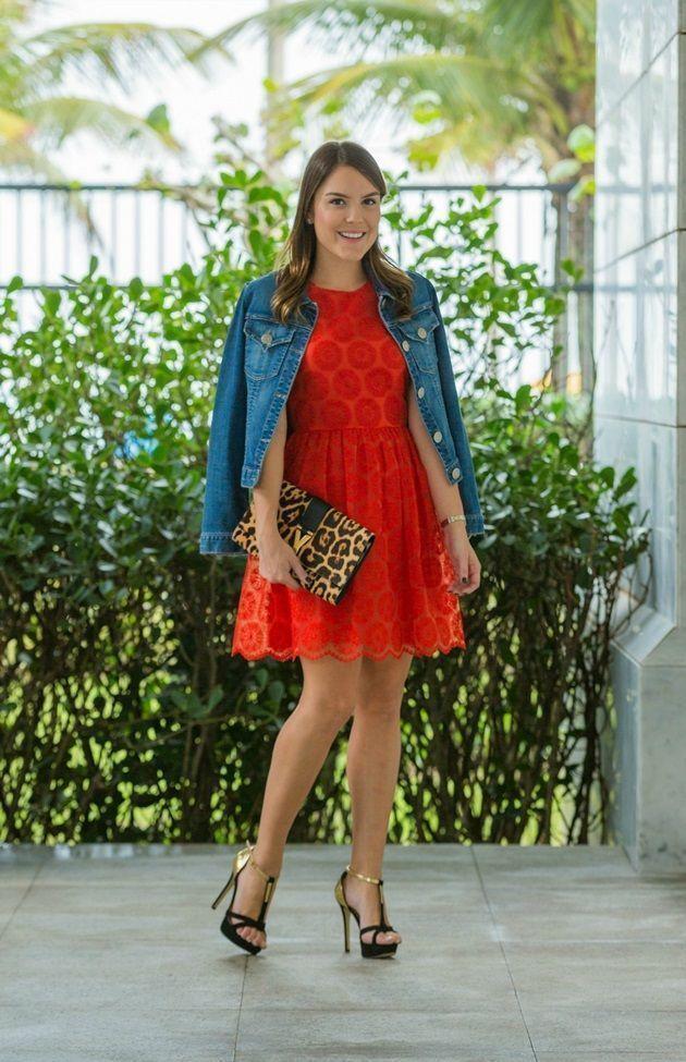 """Foto: Reprodução / <a href=""""http://lariduarte.com/look-do-dia-a-volta-da-jaqueta-jeans/look-do-dia"""" target=""""_blank"""">Lari Duarte</a>"""