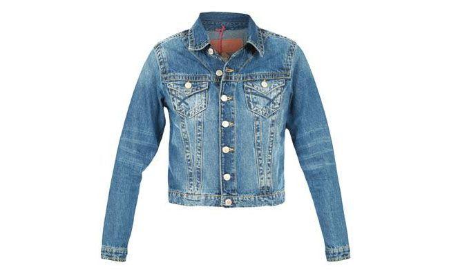 """<p>Jaqueta Billabong Slim Etnico Jeans Médio por R$135 na <a href=""""http://www.glamour.com.br/Jaqueta-Billabong-Slim-Etnico-Jeans-Medio-127668/p"""" target=""""blank_"""">Glamour </a></p>"""