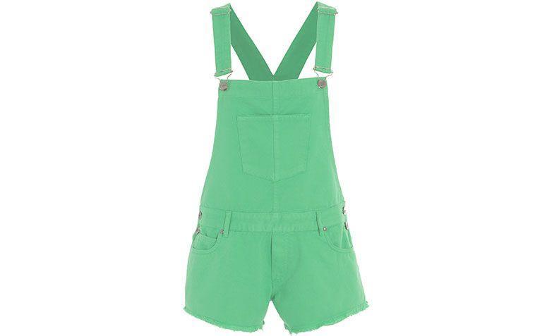 "Jardineira verde Carina Duek por R$470 na <a href=""http://www.shop2gether.com.br/macaquinho-heloisa-sarja-4.html"" target=""blank_"">Shop2gether</a>"