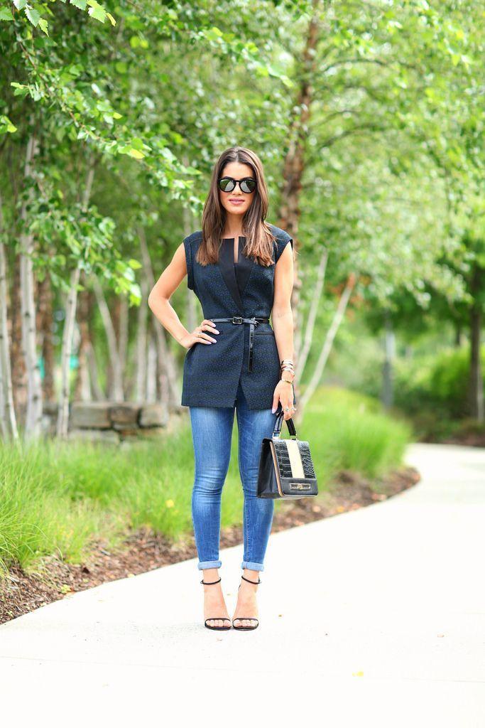 """Foto: Reprodução / <a href=""""http://camilacoelho.com/2014/08/04/look-do-dia-colete-e-jeans/"""" target=""""_blank"""">Super Vaidosa</a>"""
