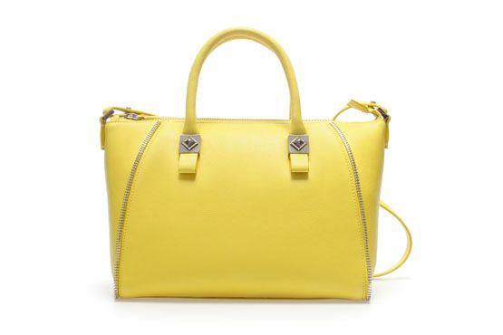 <p>Bolsa amarela - Zara por €35,90 na Loja Zara.</p>