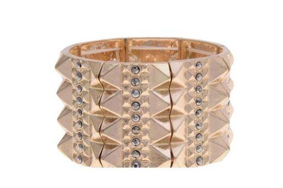 <p>Bracelete - C&A por R$35. </p>
