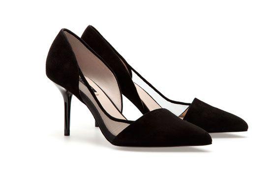 <p>Scarpin preto com transparência - Zara  €39,95 na Loja Zara. </p>