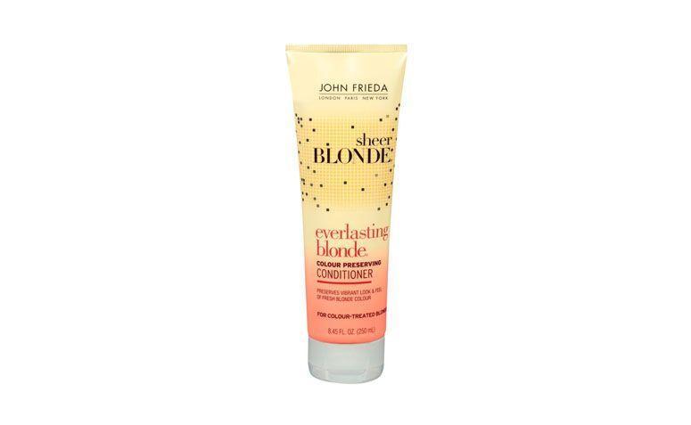 """Shampoo de preservação da cor John Frieda por R$51,90 na <a href=""""http://www.belezanaweb.com.br/john-frieda/john-frieda-sheer-blonde-everlasting-blonde-colour-preserving-conditioner-condicionador-250ml/ """" target=""""_blank"""">Beleza na Web</a>"""