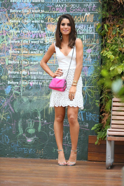 """Foto: Reprodução / <a href=""""http://camilacoelho.com/2014/10/16/look-do-dia-white-dress-in-sao-paulo/"""" target=""""_blank"""">Camila Coelho</a>"""