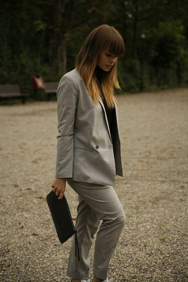 "Foto: Reprodução / <a href=""http://wannabemag.com/irisgravemaker/2014/10/17/suit-and-sneakers/"" target=""_blank"">Wanna Be Mag</a>"