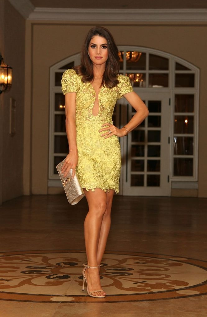 """Foto: Reprodução / <a href=""""http://camilacoelho.com/2014/10/27/look-da-noite-green-lace-dress/"""" target=""""_blank"""">Camila Coelho</a>"""