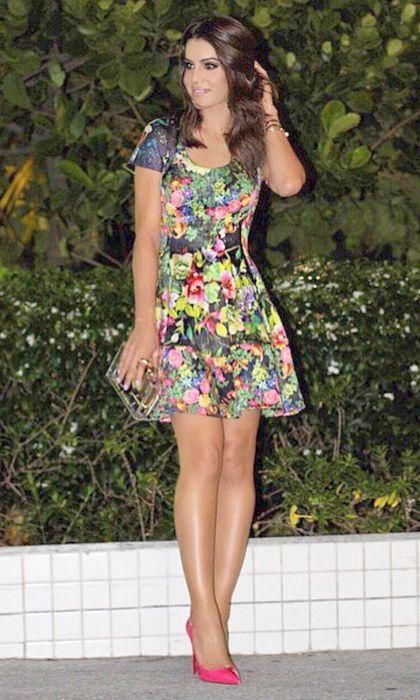 """Foto: Reprodução / <a href=""""http://camilacoelho.com/2015/05/18/look-da-noite-vestido-floral-e-scarpin-pink/"""" target=""""_blank"""">Camila Coelho</a>"""