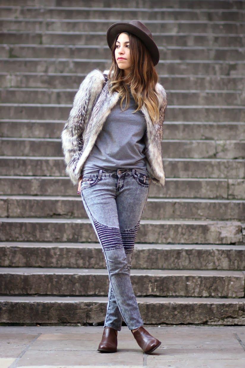 """Foto: Reprodução / <a href=""""http://www.fadelamecheri.com/2013/12/faux-fur-jacket.html"""" target=""""_blank"""">Fadela Mecheri</a>"""