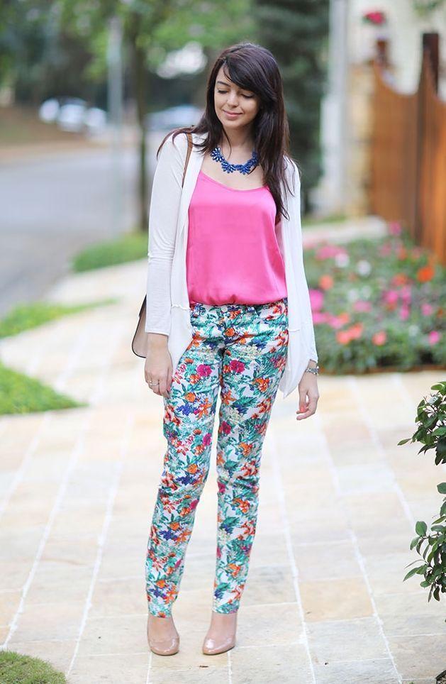 """Foto: Reprodução / <a href=""""http://www.justlia.com.br/2013/08/look-do-dia-floral-e-pink/"""" target=""""_blank"""">Just Lia</a>"""