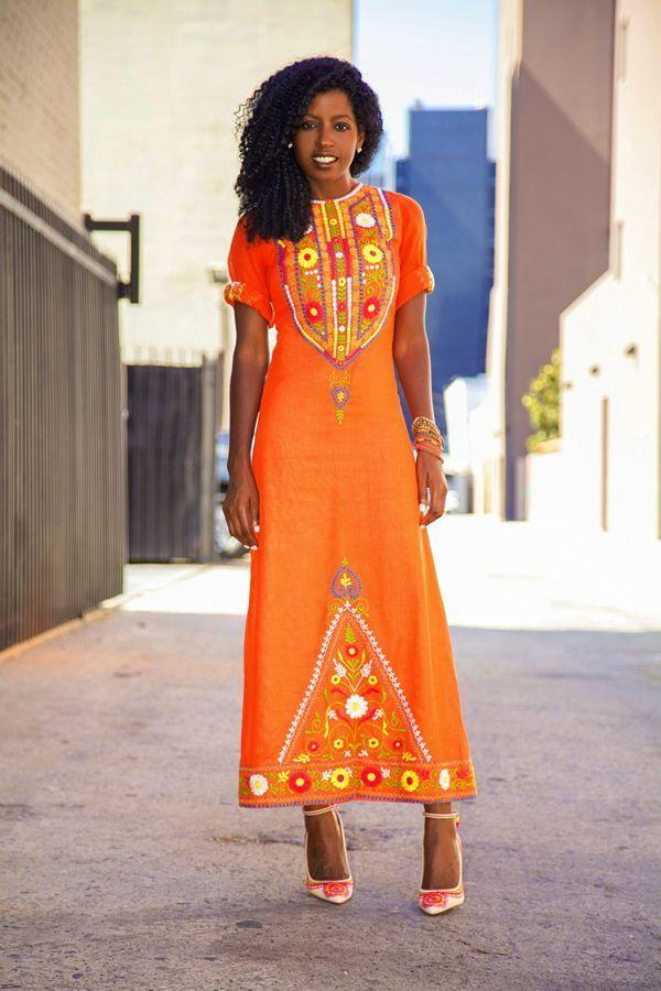 "Foto: Reprodução / <a href=""http://stylepantry.com/2013/09/04/vintage-embroidered-dress/"" target=""_blank"">Style Pantry</a>"